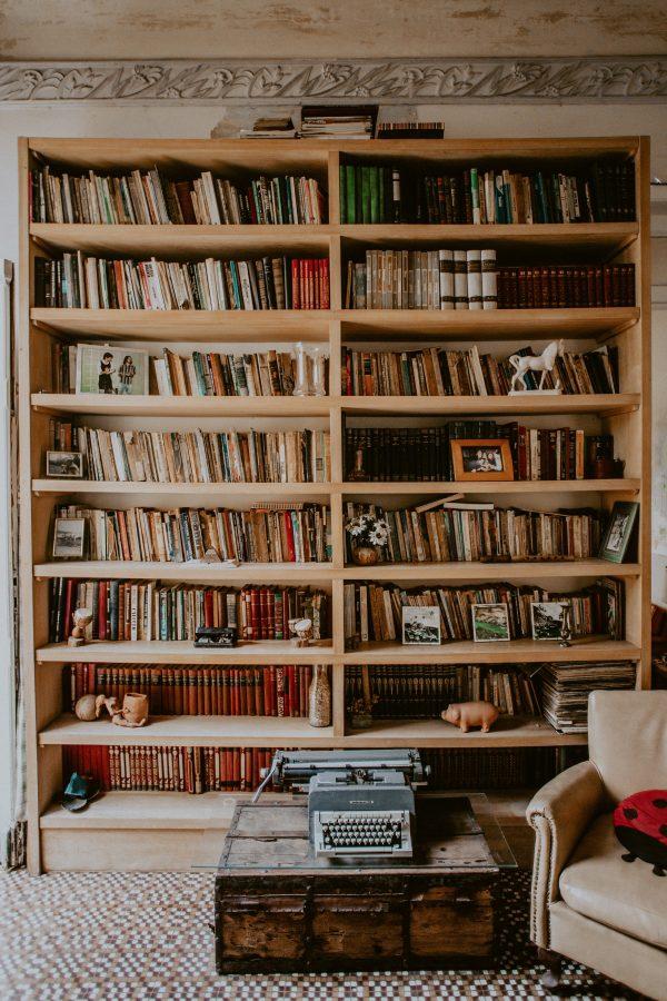 Deko-Highlight Bücherregal: 13 traumhaft schöne Tipps und Ideen, die jeder Interior-Designer kennt