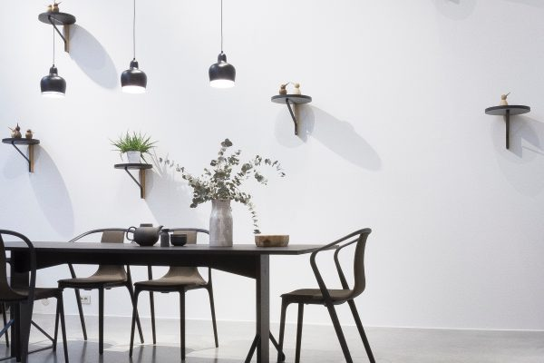 Nie Langweilig und immer aufgeräumt: minimalistische Wohnzimmer